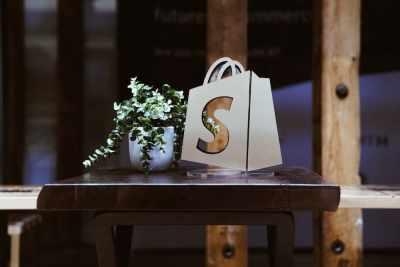 Shopifyが越境ECに強い理由とは|Shopifyの特徴や事例を詳しくご紹介